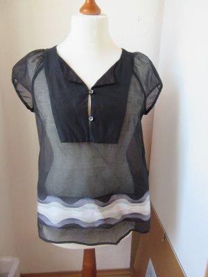 Schöne schwarze Bluse aus Chiffon