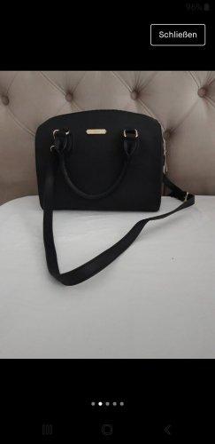 schöne schwarze Tasche