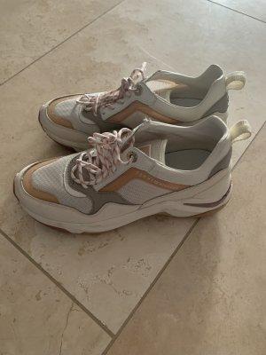 Schöne Sneaker von Tommy Hilfiger