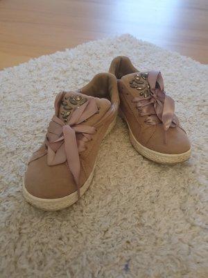 Schöne sneakers