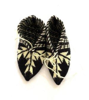Schöne Socken Handarbeit Größe 36/38