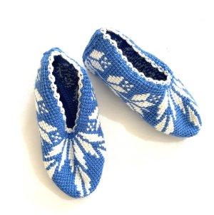 Handmade Oorwarmers wit-neon blauw