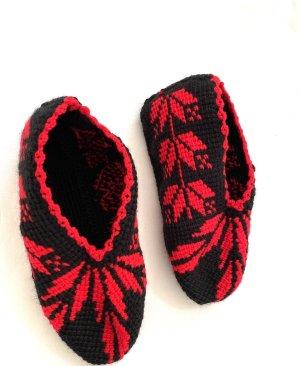 Handmade Enkelband zwart-rood