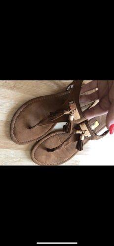 Schöne Sommer Sandalen