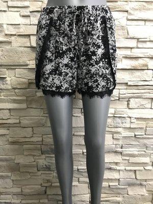 Buffalo Shorts black-white