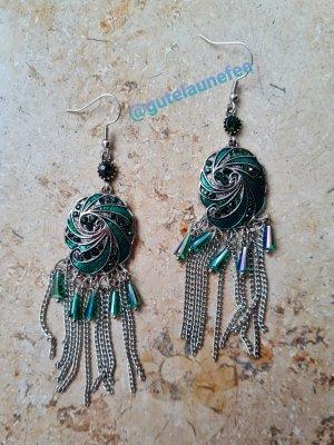 schöne Statement Ohrringe mit grünen Steinchen silberfarben