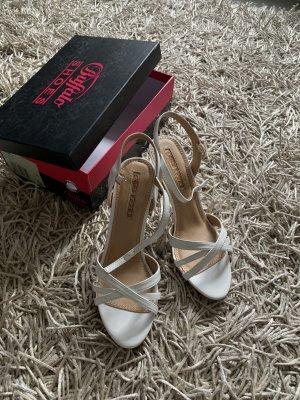 Schöne stilettos Sandalen von Buffalo