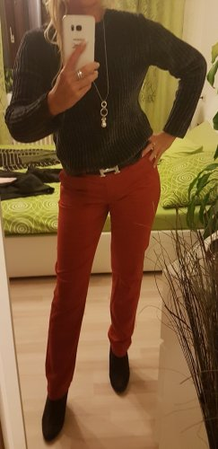 Schöne Stoffhose! Angenehm zu tragen!