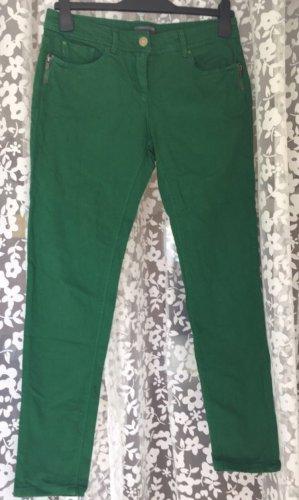 Schöne tannengrüne Jeans