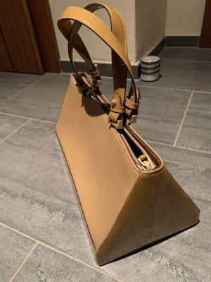 Schöne Tasche aus Leder