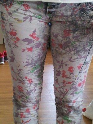 schöne ungetragene Hose mit Muster von Please