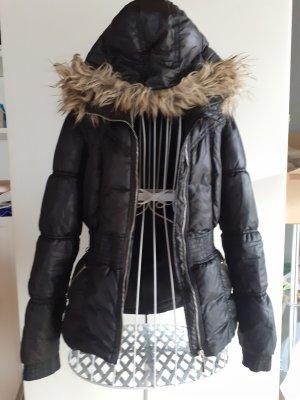 Schöne Warme Winterjacke mit Kapuze u. Kunstfell +Taschen Gr.34
