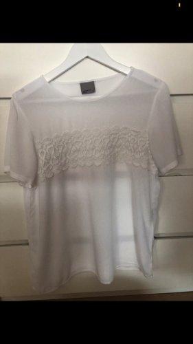 Schöne weiße Tshirtbluse