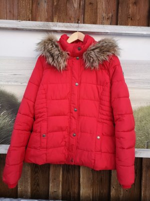 Abercrombie & Fitch Quilted Jacket red