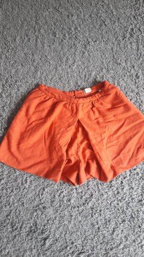 Schöne Wollshorts in orange
