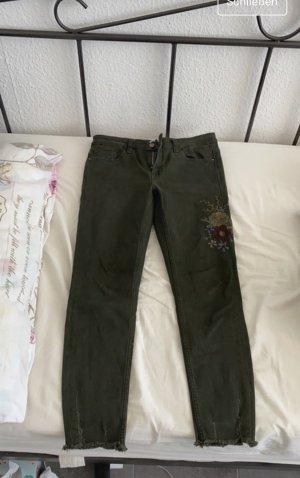 Schöne Zara Jeans mit Blumen Print✨