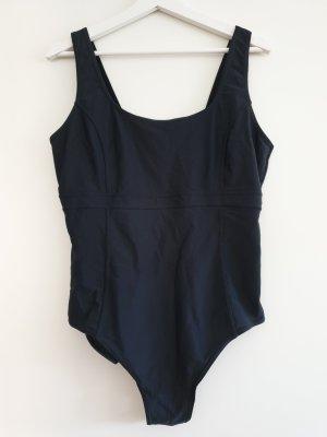 Schöner Badeanzug schwarz, Minimizer, Gr. 46