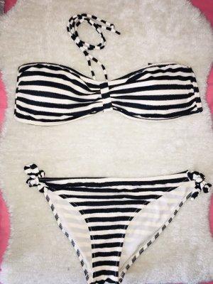 Schöner Bikini in Schwarz-Creme