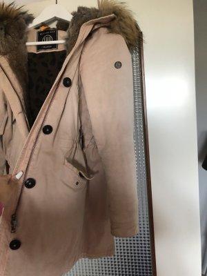 Blonde No. 8 Futrzany płaszcz w kolorze różowego złota