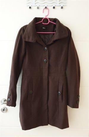 Schöner brauner Mantel in der Größe M