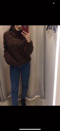 Schöner Dicker Pullover