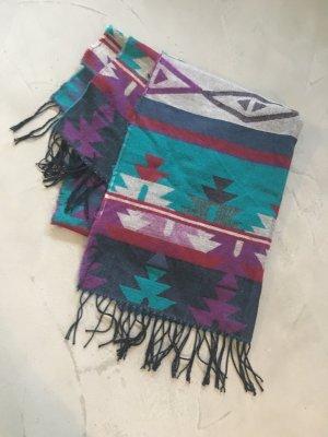 Schöner Fransenschal // Aztekenmuster // Hippie-Look // bunt gemustert