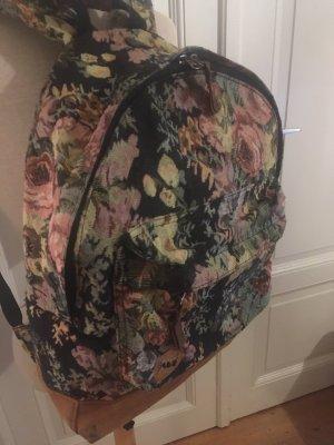 Schöner geräumiger Rucksack in Vintage Optik