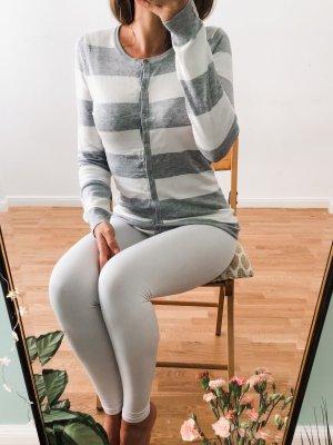 schöner grau weiß gestreifter Strickpullicardigan