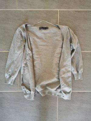 schöner grauer Cardigan von Zara