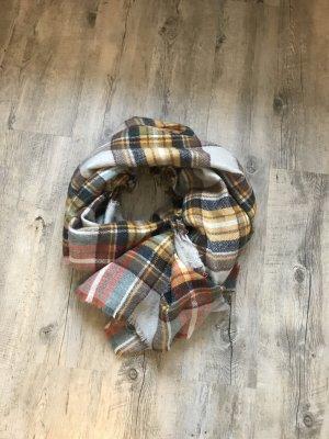 Schöner großer Schal