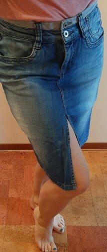Schöner Jeansrock