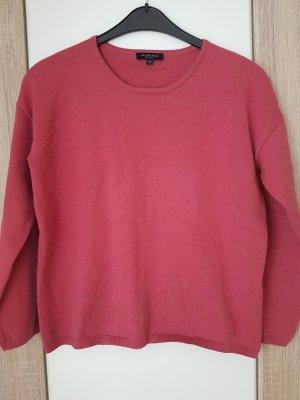 Schöner kastiger Pullover