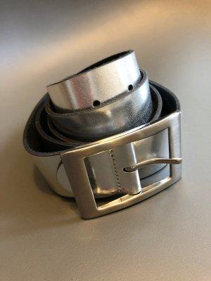 Schöner Ledergürtel in silber