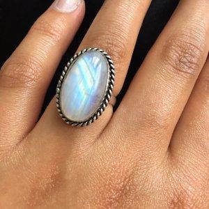 Schöner Moonstone Ring