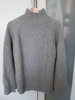 Schöner Pullover