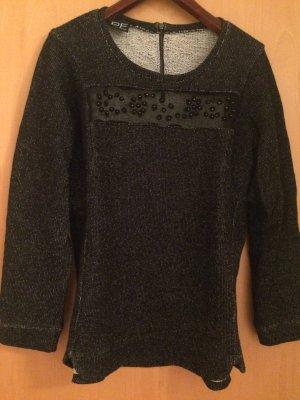 Schöner Pullover in dunkelgrau