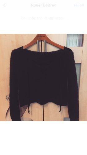Schöner Pullover mit schnüren