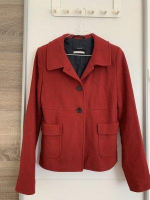 Schöner roter Mantel von Oui