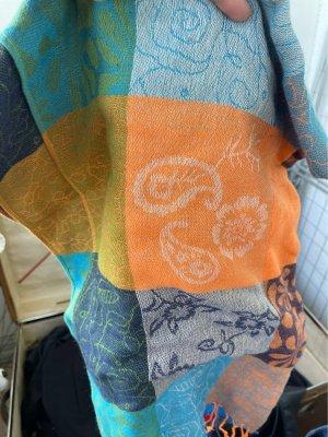 Sciarpa lavorata a maglia rosso-arancione chiaro