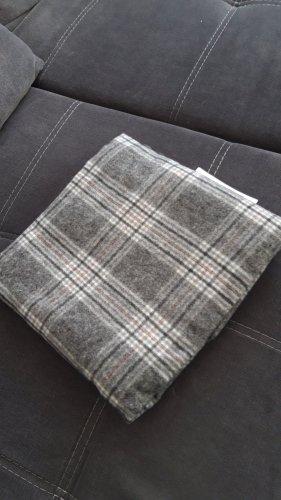 Ernstings Family Écharpe en laine gris
