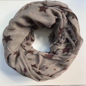 Schöner Schal mit Sternen in Brauntönen!