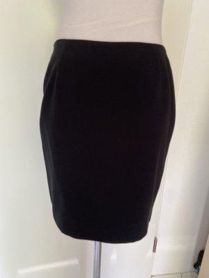 Schöner schwarzer Minirock in Gr L mit Unterrock wie Neu