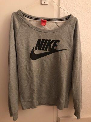 Schöner sportlicher Sweater von Nike
