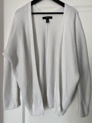 Schöner warmer Oversized-Cardigan in weiß in Größe S / 36
