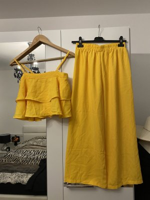 Trouser Suit yellow