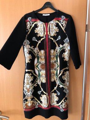 Schönes 3/4-Ärmel Kleid mit bedruckter Front