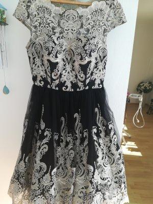 Chi Chi London Koronkowa sukienka czarny-szary Poliamid