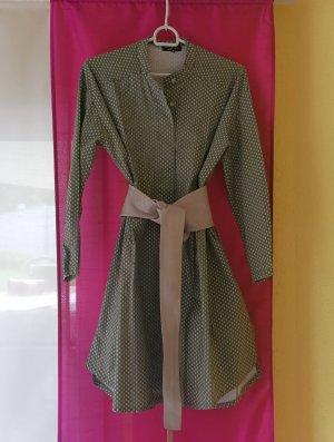 Schönes Blusenkleid