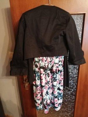 schönes buntes Kleid mit Jacken zu verkaufen