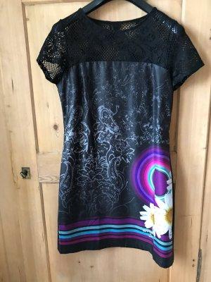 Schönes buntes Kleid von Desigual Gr. 42